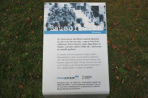 Erinnerungstafel über die Geschichte der Bausoldaten in Prora auf der Insel Rügen