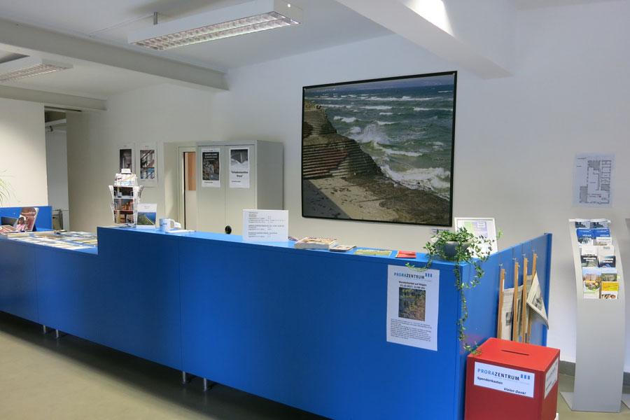 Informationen zu Ausstellungen über die NS-Zeit auf der Insel Rügen im Museum Prora Zentrum bei Binz